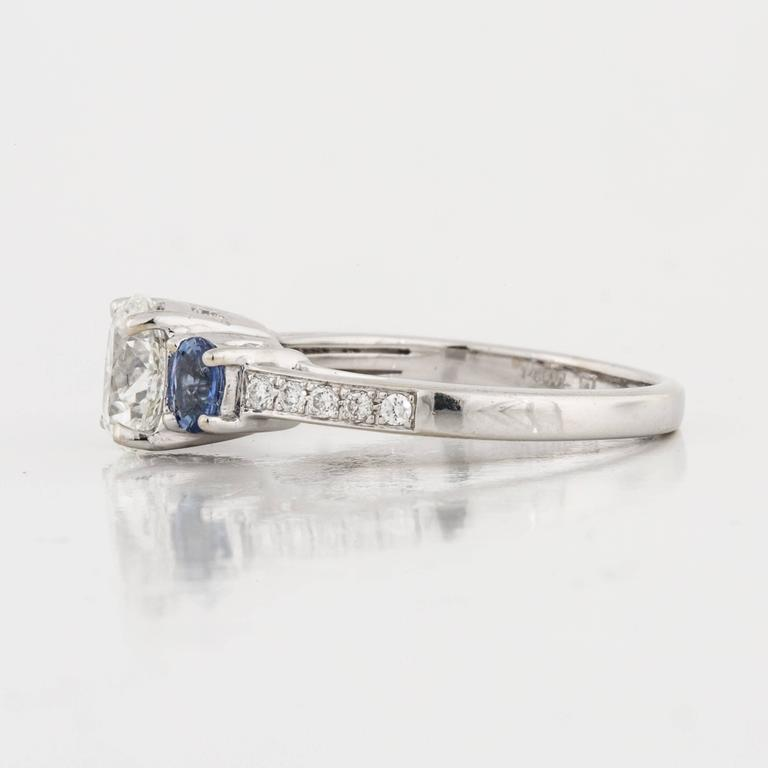 Round Cut Three-Stone Diamond and Sapphire Ring For Sale