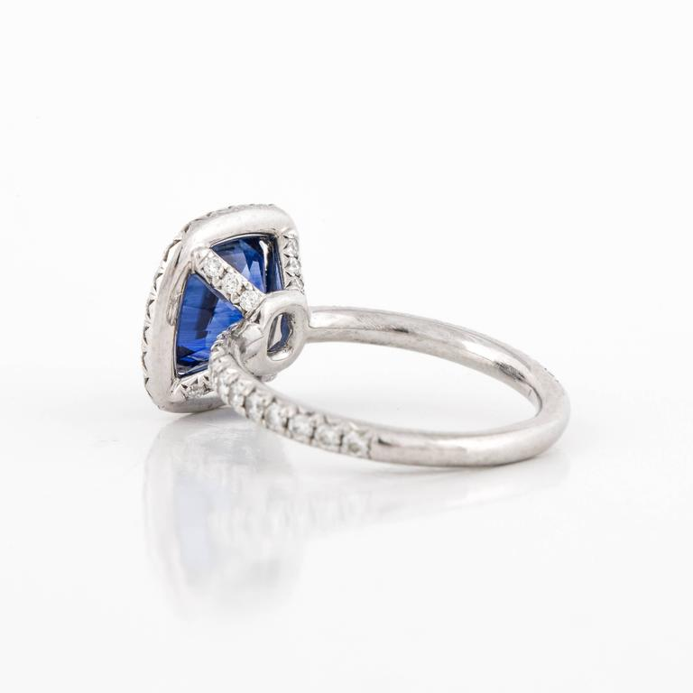 Sapphire and Diamond Ring In Excellent Condition For Sale In Houston, TX