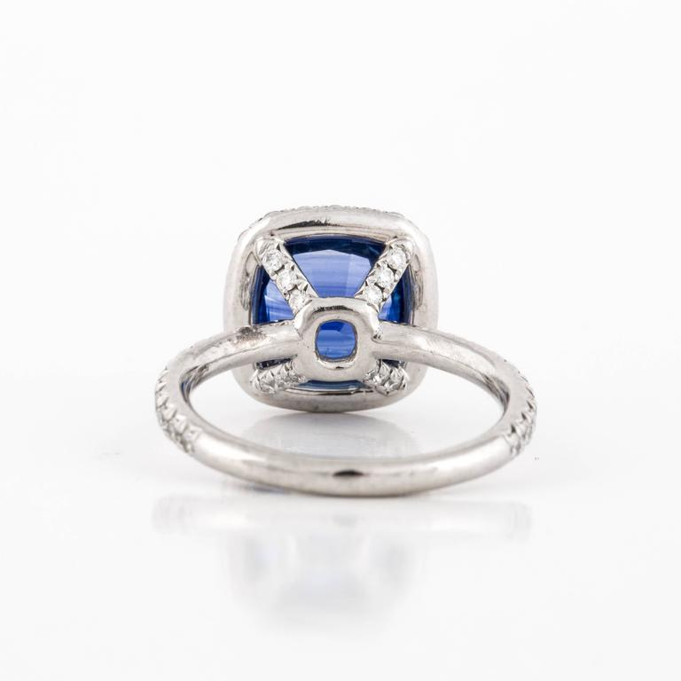 Women's or Men's Sapphire and Diamond Ring For Sale