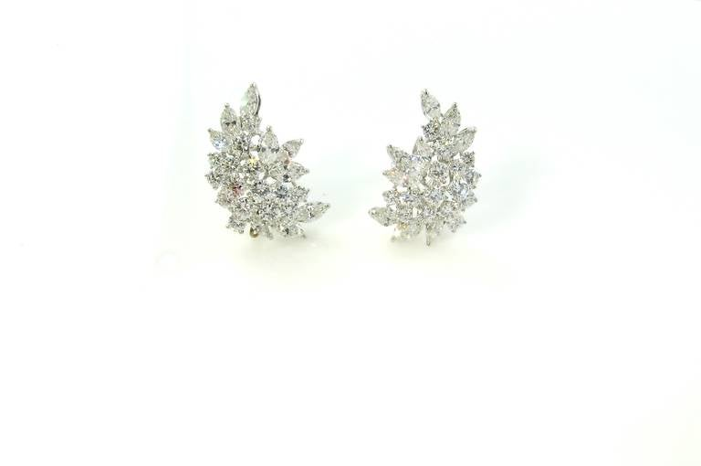 Tiffany & Co. Diamond Platinum Crescent Leaf Cluster Earrings In Excellent Condition For Sale In New York, NY