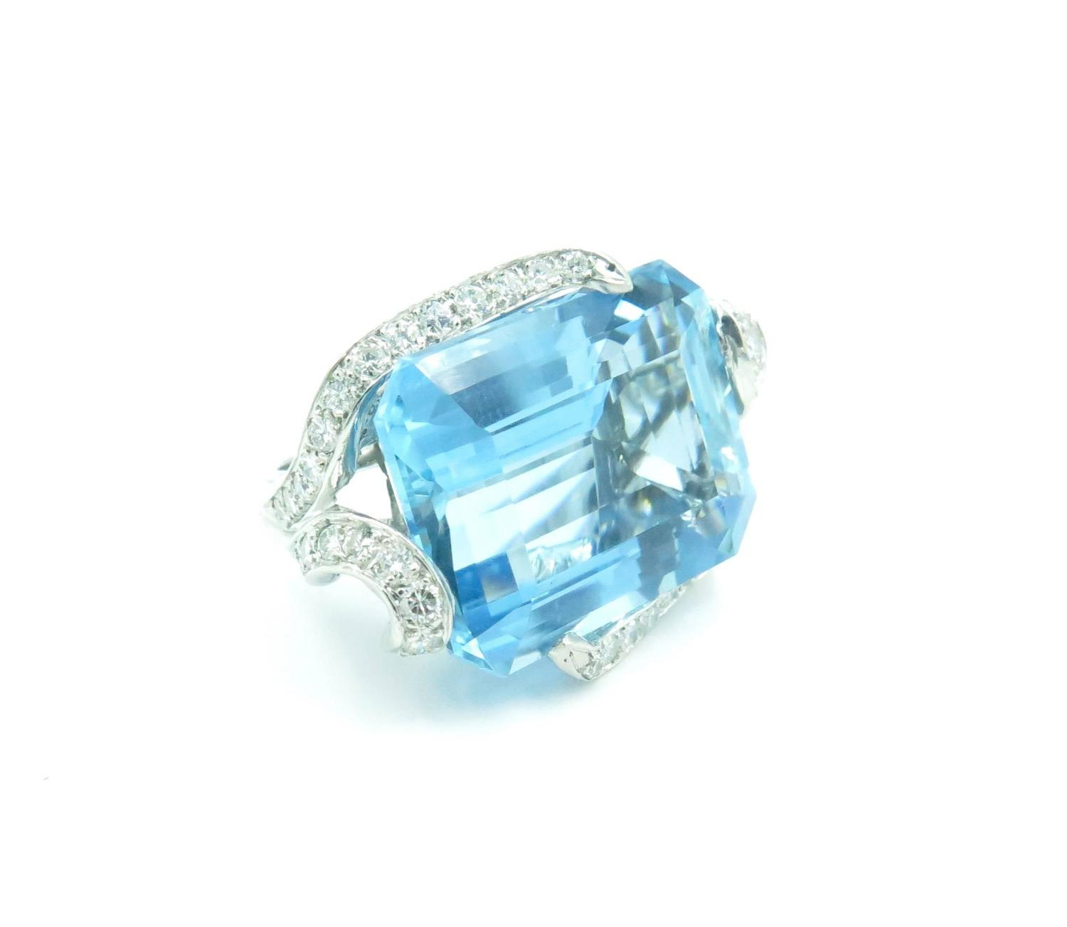 gorgeous 30 01 carat aquamarine platinum ring at