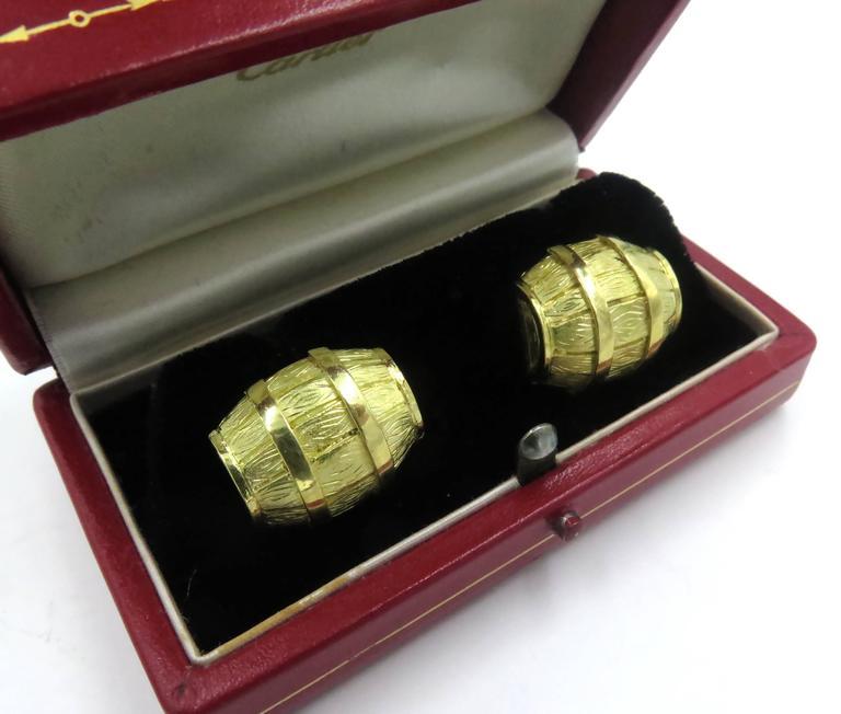 1970s Cartier Gold Barrel Cufflinks For Sale 1