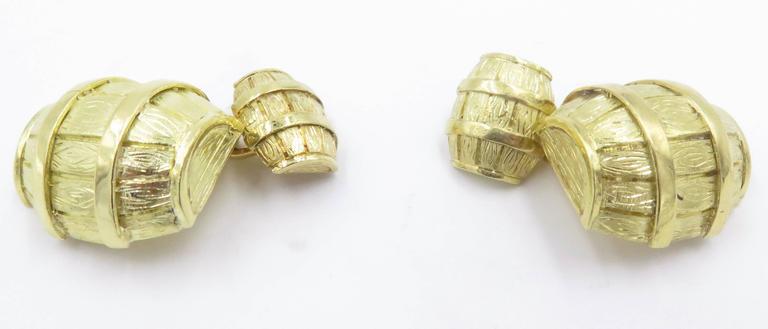 1970s Cartier Gold Barrel Cufflinks For Sale 3