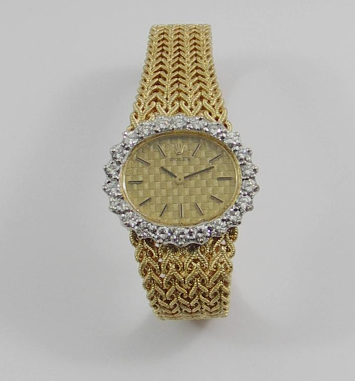 Rolex Ladies Yellow Gold Diamond Bezel Vintage Manual Wind Watch/ Wristwatch In Excellent Condition For Sale In Blue Ridge, GA