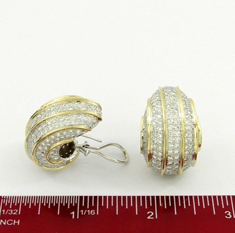 Bombe Gold and Diamond Earrings For Sale 1