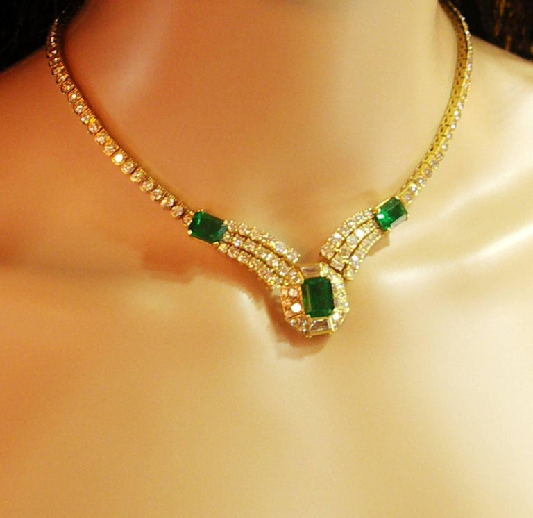 Round Brilliant Cut and Baguette Cut Diamond Certified Zambian Emerald Necklace In Excellent Condition For Sale In Blue Ridge, GA