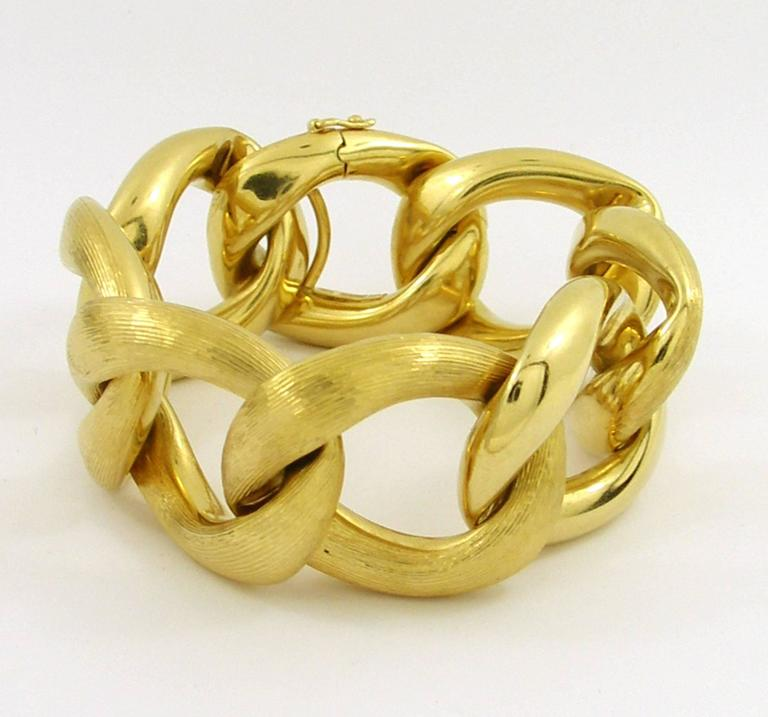 Gold bracelet with florentine and high polished links for for What is gold polished jewelry