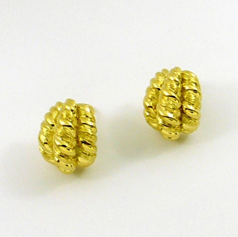 Yellow Gold Twisted Rope Earrings In Excellent Condition For Sale In Blue Ridge, GA