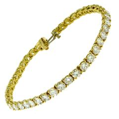 Van Cleef & Arpels 9 Carat Diamond 18 Karat Yellow Gold Tennis Bracelet