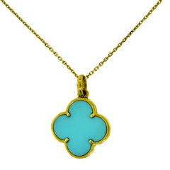 Van Cleef & Arpels Lg. Magic Alhambra Turquoise Pendant in Yellow Gold, Chain
