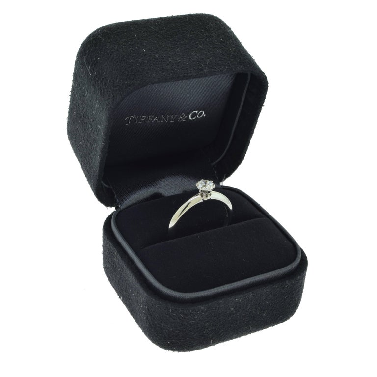 Tiffany & Co. Solitaire Diamond Engagement Ring in Platinum, GIA For Sale 1