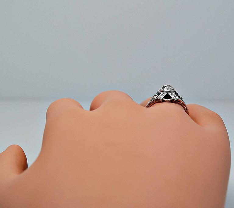 Art Deco 1.10 Carat Diamond Onyx Platinum Engagement Ring For Sale 2