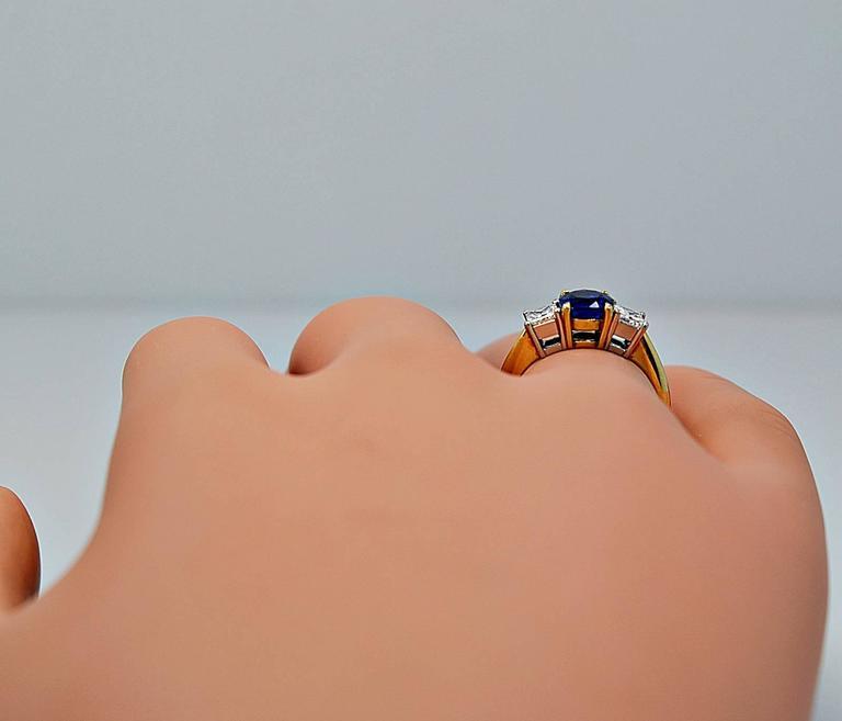 Tiffany & Co. 1.05 Carat Sapphire Diamond Gold Platinum Engagement Ring  For Sale 2