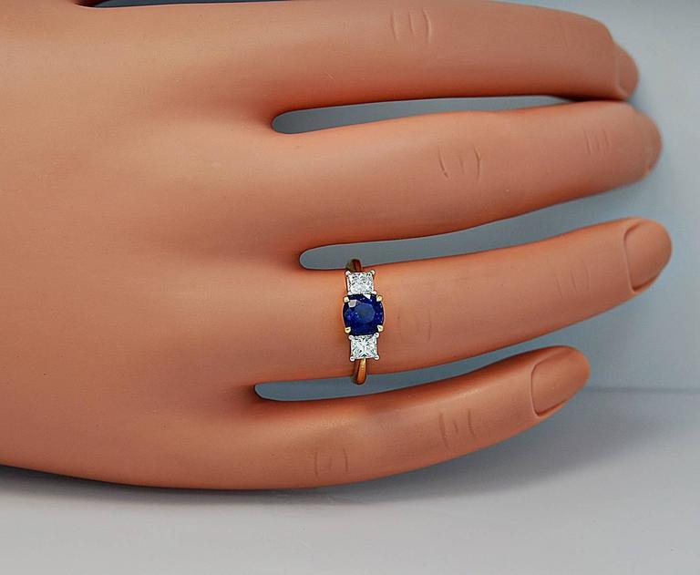 Women's or Men's Tiffany & Co. 1.05 Carat Sapphire Diamond Gold Platinum Engagement Ring  For Sale