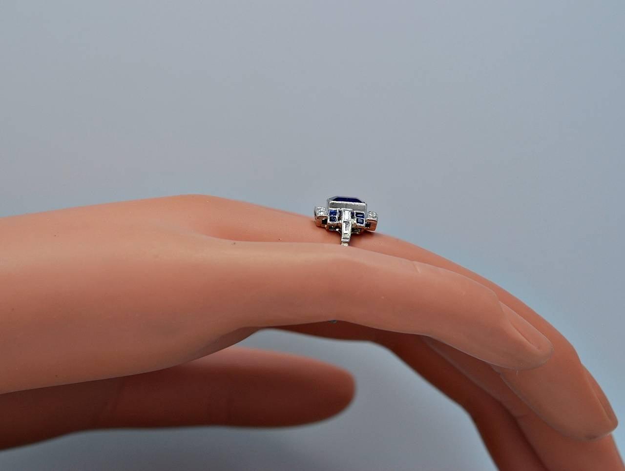 Art Deco Elegant 1.10 Carat Natural Sapphire Diamond Engagement Ring 6