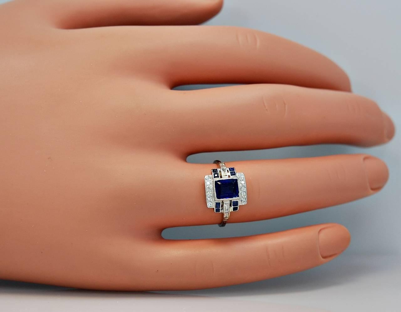 Art Deco Elegant 1.10 Carat Natural Sapphire Diamond Engagement Ring 5