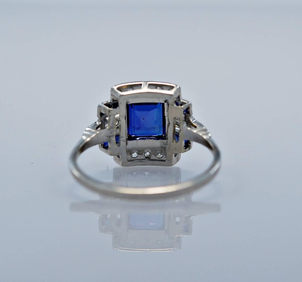 Art Deco Elegant 1.10 Carat Natural Sapphire Diamond Engagement Ring 4