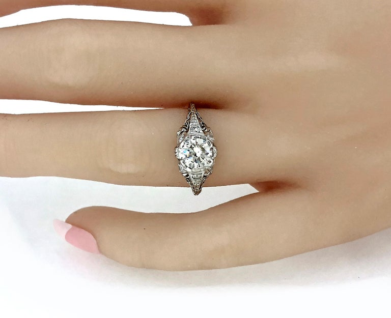 Edwardian .94 Carat Diamond and Platinum Antique Engagement Ring In Excellent Condition For Sale In Tampa, FL