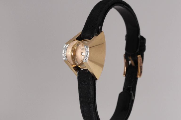 Universal Geneve Ladies Yellow Gold Diamond Wristwatch 4
