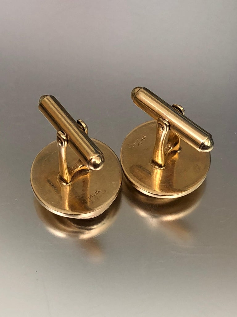 Vintage Gold Multi Layered Round Cufflinks In Good Condition For Sale In Miami Beach, FL