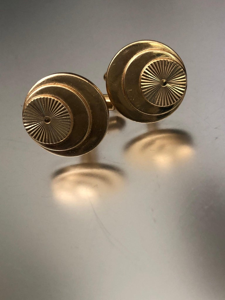 Vintage Gold Multi Layered Round Cufflinks For Sale 5