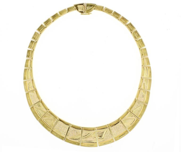 An 18 karats gold and diamonds necklace, designed by Brazilian modernist master jeweler Haroldo Burle-Marx. Know worldwide for his  abstract paintings, landscapes,  architecture and jewelry, Burle-Marx has been commissioned by members of the