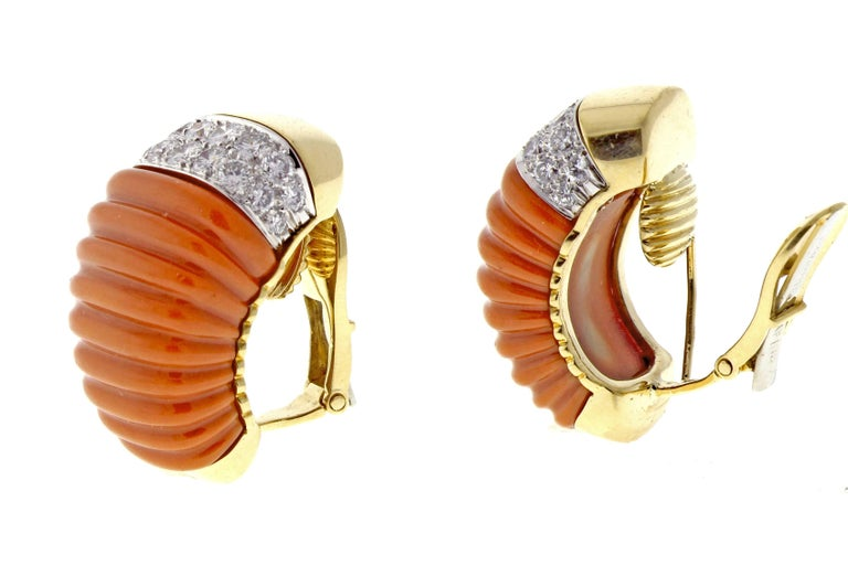 David Webb Coral and Diamond Earrings In Excellent Condition For Sale In Washington, DC