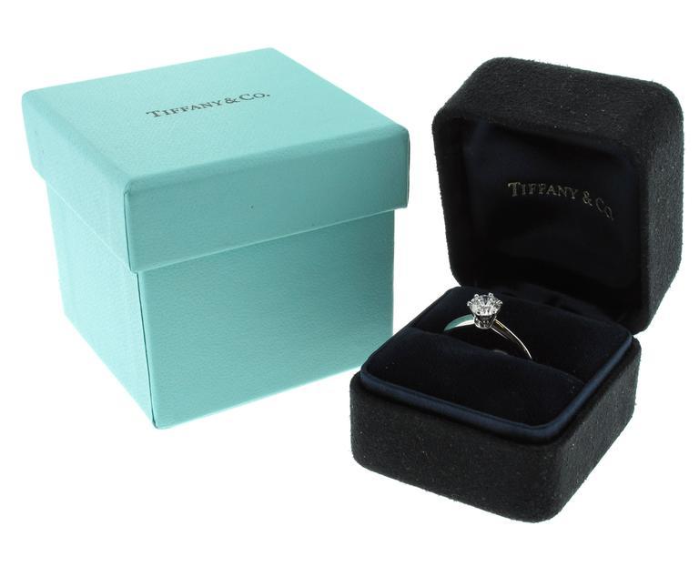 Tiffany & Co. 1.64 Carat Diamond Platinum Engagement Ring 5