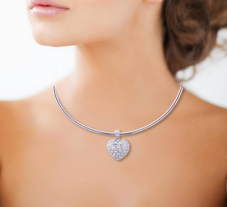 Women's Cartier Puffed Diamond Gold Heart Choker Necklace For Sale