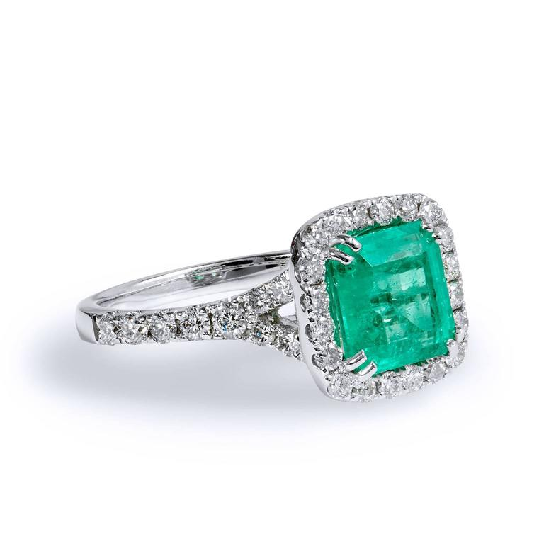 1.92 Carat Colombian Emerald Diamond Gold Cocktail Ring  3