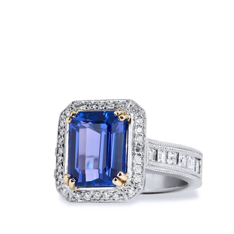 Women's 4.91 Carat Tanzanite Diamond Ring For Sale