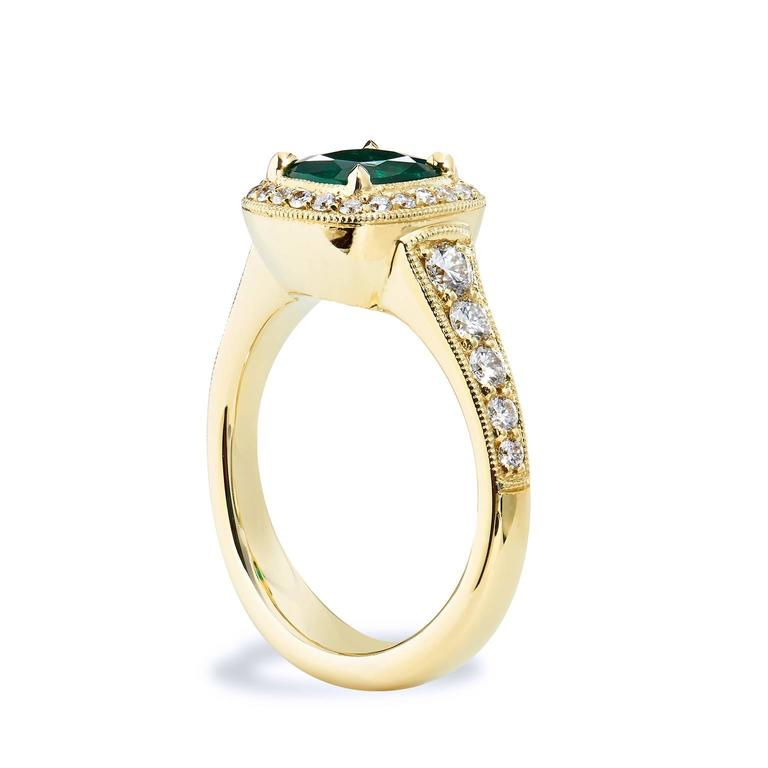 Women's GIA Certified Emerald Yellow Gold Ring For Sale