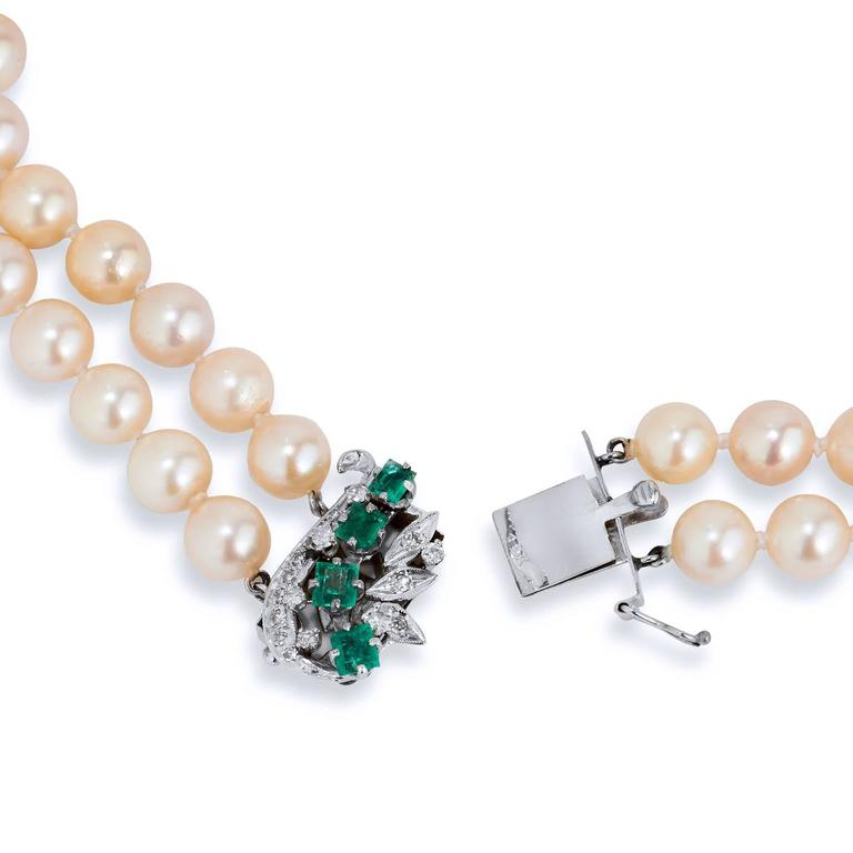 Emerald Akoya Pearl Gold Necklace In Excellent Condition For Sale In Miami, FL