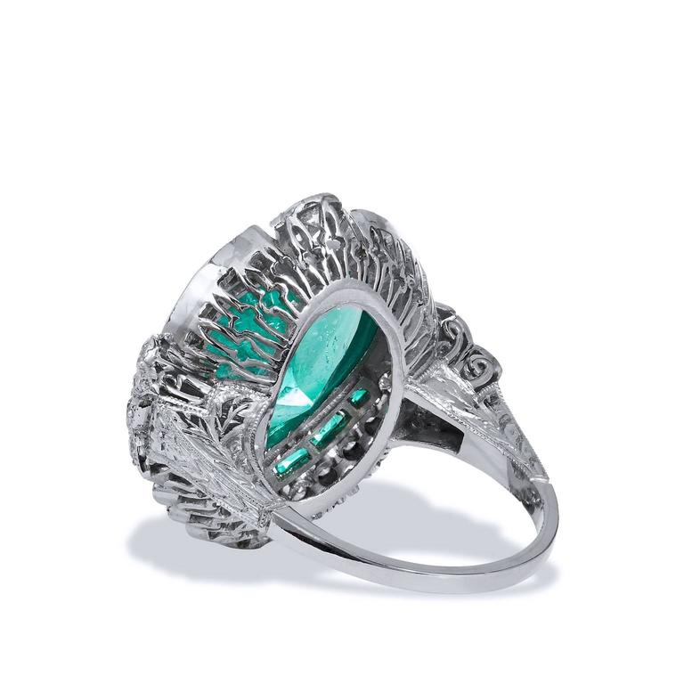 Women's or Men's 5.87 Carat Heart Shaped Colombian Emerald Diamond Platinum Ring For Sale