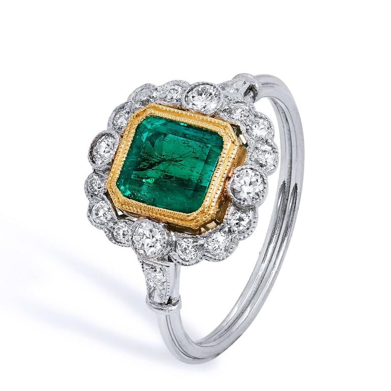Art Deco GIA CERTIFIED  1.60 Carat Colombian Emerald Diamond Yellow Gold Platinum Ring For Sale