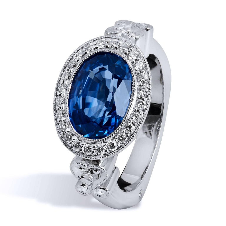 H & H 4.18 Carat Oval Sapphire and Diamond Pave Ring In Excellent Condition For Sale In Miami, FL