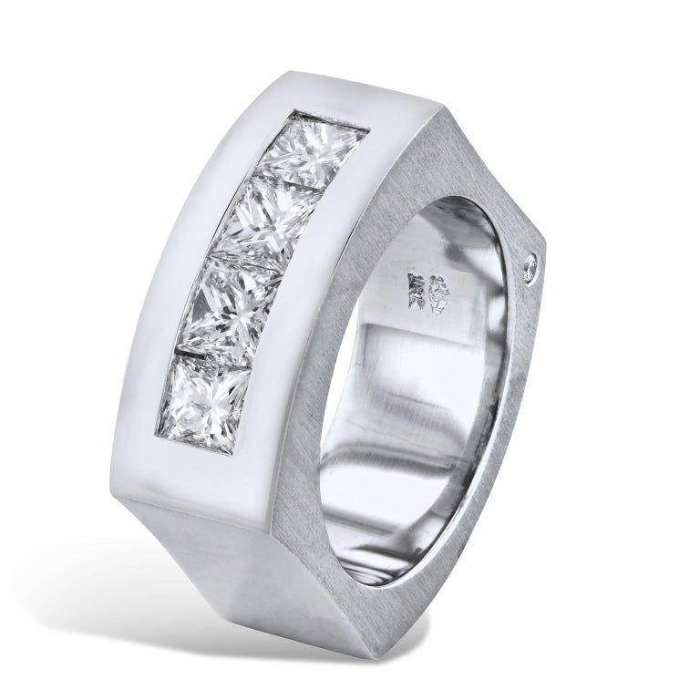 GIA Certified 2.86 Carats of Princess Cut Diamonds in White Gold Men's Band Ring In New Condition For Sale In Miami, FL