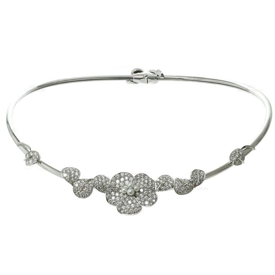 Van Cleef & Arpels Cultured Pearl Diamond Gold Flower Collar Necklace