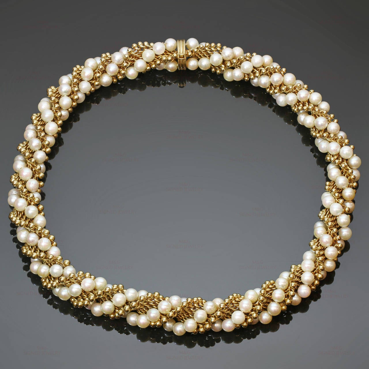 1960s VAN CLEEF & ARPELS Twist Cultured Pearl Yellow Gold Necklace For Sale 1