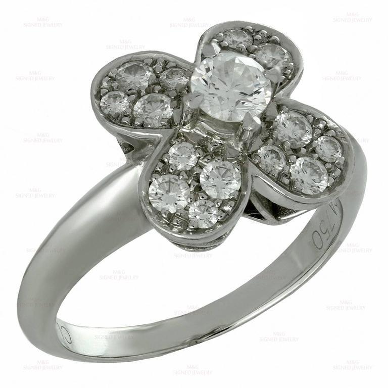 Women's or Men's Van Cleef & Arpels Trefle Diamond Gold Ring For Sale