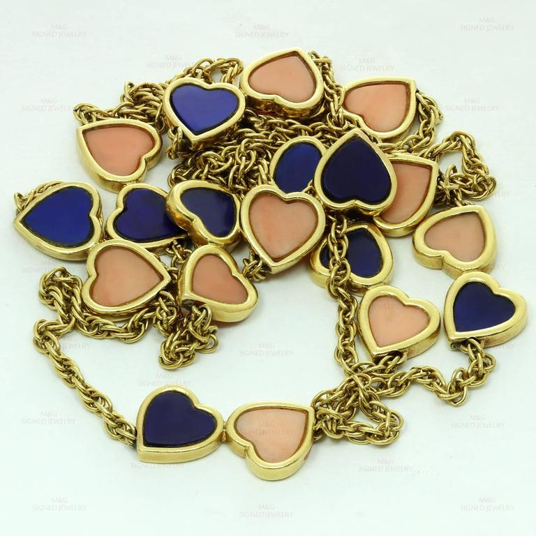 1960s Van Cleef & Arpels Pink Coral Lapis Lazuli Gold Double Hearts Necklace For Sale 4