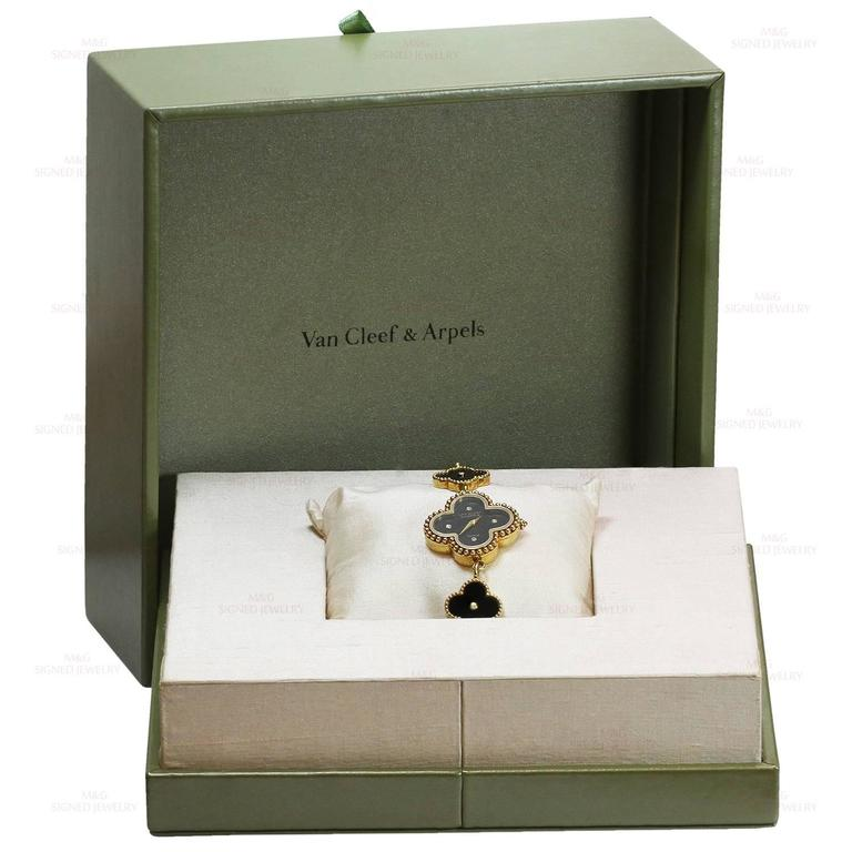Van Cleef & Arpels Alhambra Onyx Diamond Yellow Gold Watch In Good Condition For Sale In New York, NY