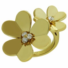 Van Cleef & Arpels Frivole Diamond Gold Between-the-Finger Flower Ring