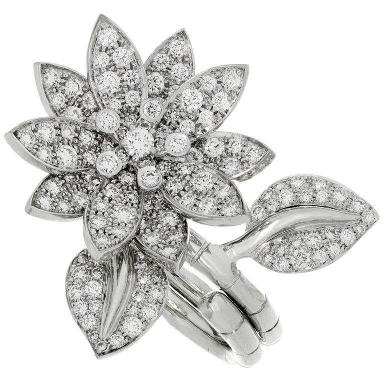 Van Cleef & Arpels Lotus Between-the-Finger Diamond White Gold Ring
