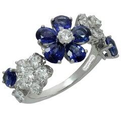 Van Cleef & Arpels Folie Des Pres Diamond Blue Sapphire White Gold Flower Ring
