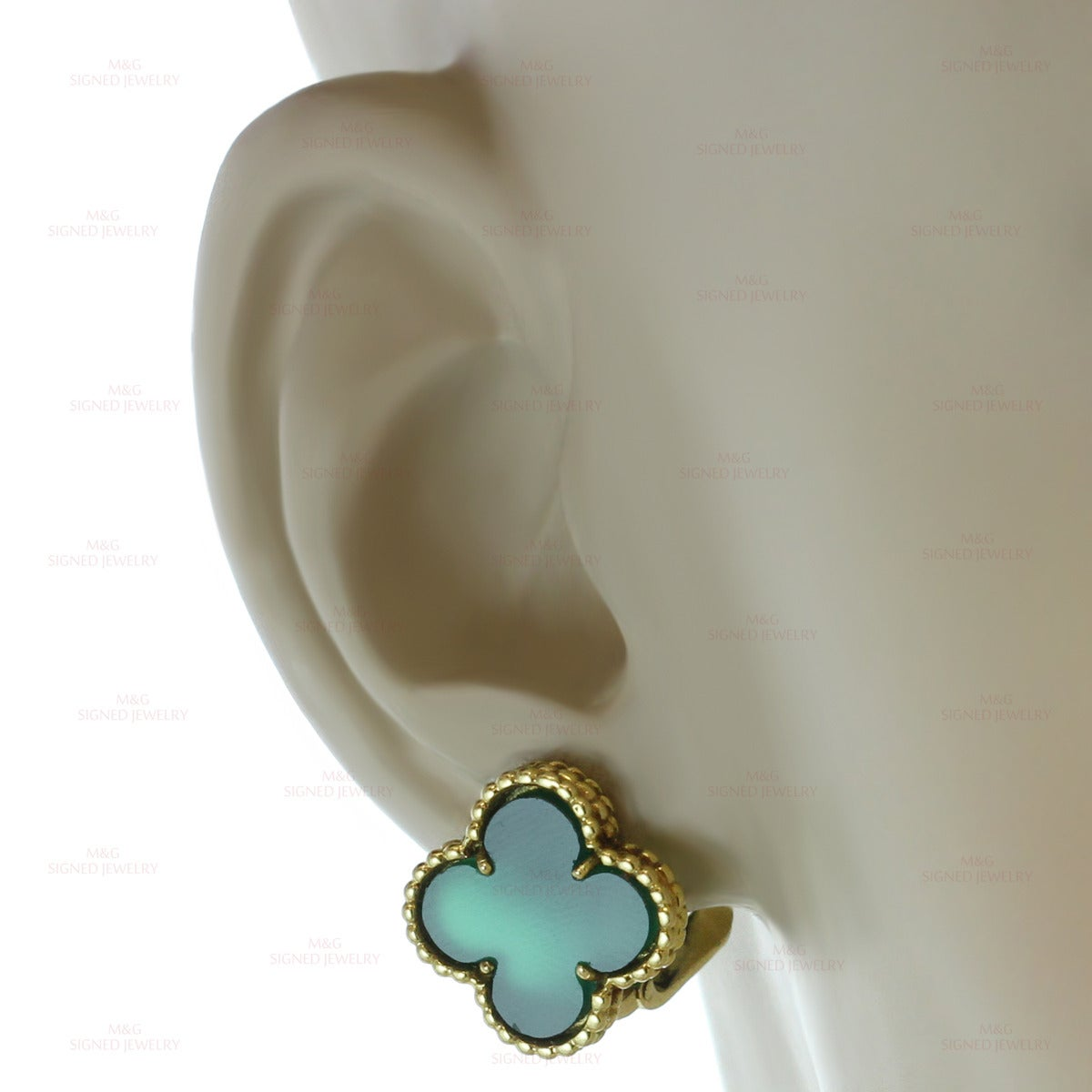 1970s Van Cleef & Arpels Alhambra Green Chalcedony Gold Earrings 5