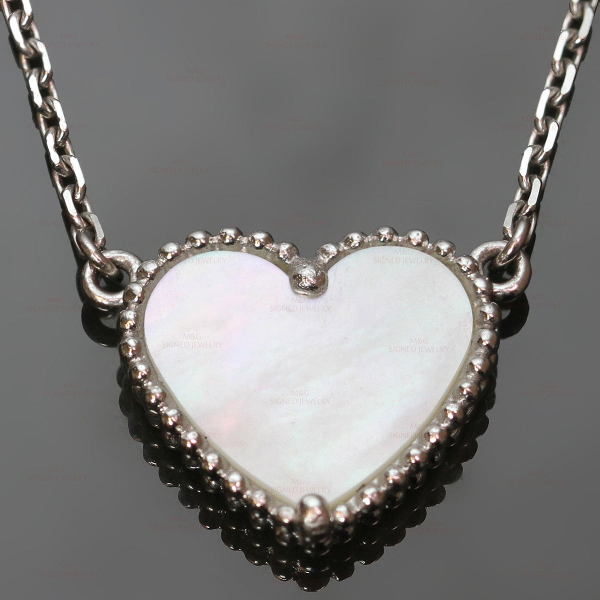 Van Cleef & Arpels Lucky Alhambra Mother of Pearl Gold Heart Necklace For Sale 1
