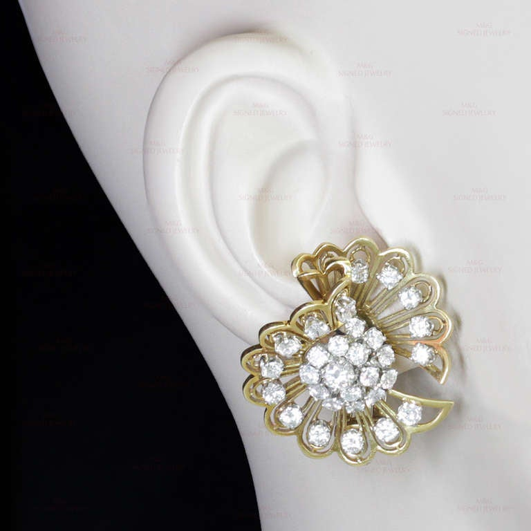 VAN CLEEF & ARPELS Rare 1940s Gold Diamond Clip-on Earrings Brooches For Sale 3