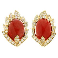 Vourakis Natürliche Ochsenblut Koralle Diamant Gelbgold Ohrclips