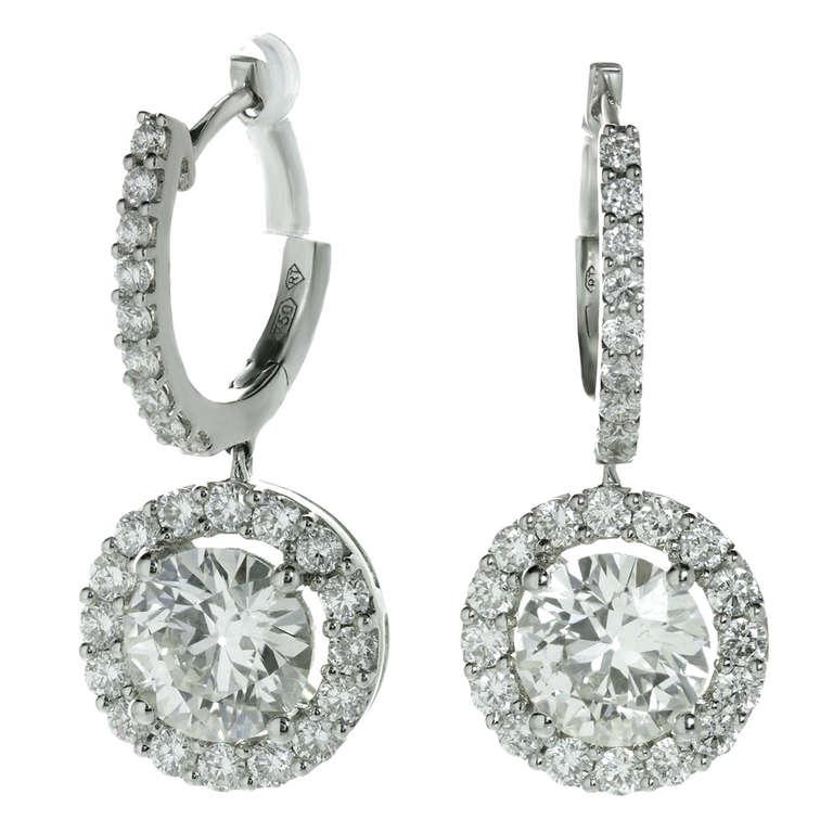 Modern Diamond White Gold Round Drop Earrings For